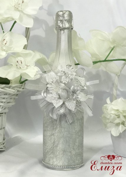 Украсено сватбено шампанско 9